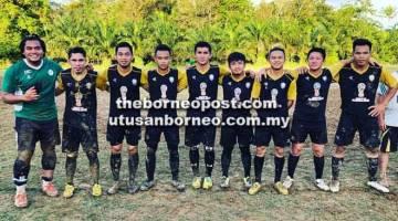 JUARA: Pasukan Swan City menjuarai Kejohanan Bola Sepak 7 Sebelah Parlimen Selangau.
