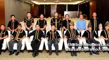 PARA pemimpin masyarakat daripada lima buah kampung DUN Kapayan mengadakan pertemuan mesra.