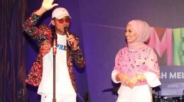 FB LIVE: Mulai 17 Julai, penonton boleh menyaksikan tiga episod lanjutan bagi MeleTOP yang menampilkan Nabil Ahmad dan Neelofa sebagai hos di akaun IGTV Hotlink serta Facebook Live.