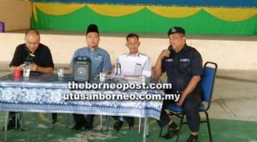 TIADA KES: Abang Abaserah memberi jaminan tiada kes culik berlaku di Betong seperti tular di media sosial.