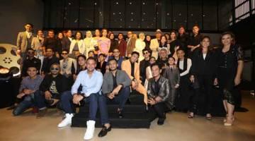 CALON ASK18:  Barisan calon ASK 2018 bergambar bersama semasa 'An Exclusive Media Reveal' di Kuala Lumpur baru-baru ini.