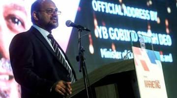 PENINGKATAN: Gobind ketika berucap pada majlis perasmian Anugerah CMO Malaysia di Pusat Konvensyen Sime Darby kelmarin. — Gambar Bernama