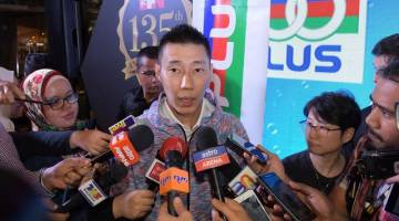 Chong Wei ketika sidang media selepas majlis penajaan dan pembaharuan kontrak bersama 100 Plus hari ini. - Gambar Bernama