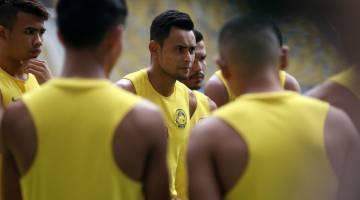 Reaksi Zaquan (tengah) ketika menjalani sesi latihan bersama rakan sepasukan di Stadium Nasional Bukit Jalil hari ini. - Gambar Bernama
