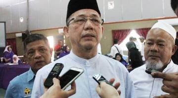 Fadillah bercakap kepada pemberita di Kuching hari ini.