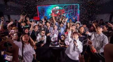 MERIAH: Menjemput tahun 2019 dengan penuh stail bersama para pencipta TikTok dan selebriti Malaysia.
