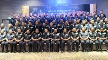MOHAMAD Fuzi bersama semua KBSJD Sabah dan Sarawak.