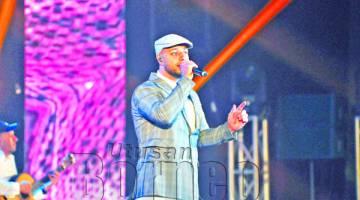 MAHER Zain menghiburkan peminat pada konsert siri akhir di Sabah.