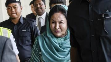 DIBICARAKAN: Rosmah ketika hadir di Kompleks Mahkamah Jalan Duta di ibu negara semalam. — Gambar Bernama