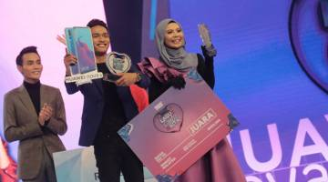 TAHNIAH: Naqi & Ayuni dinobatkan sebagai juara di pusingan akhir Lagu Cinta Kita, sekaligus membawa pulang hadiah utama iaitu wang tunai RM50,000.