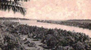 TINGGAL KENANGAN: Keadaan perkampungan terpencil Bintulu yang lama satu ketika dahulu.