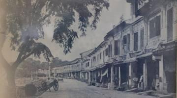 DAHULU: Suasana Main Bazaar ketika tahun 1880.