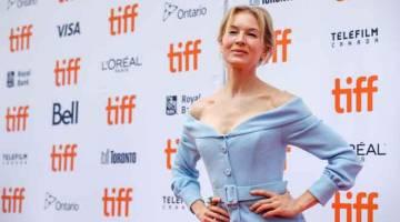 FILEM BAHARU: Zellweger ketika tiba di tayangan perdana filem 'Judy' semasa Festival Filem Antarabangsa Toronto (TIFF) di Toronto, Kanada pada 10 September  lepas. — Gambar Reuters