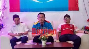 Aditajaya (tengah) semasa sidang media pada Sabtu.