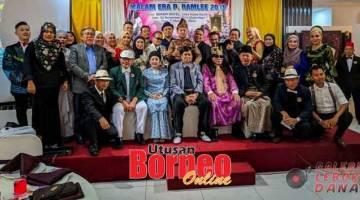IMBAU NOSTALGIA: Antara Bintang P.Ramlee Sarawak yang membuat persembahan mereka.
