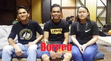 JUARA: Pasukan juara, Namana X Bowlers diwakili (dari kanan) Christina Rudi, Andrew Kiding dan Kamarudin Jokepli.