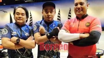 MANTAP: Trio N'Four FS Bowlers (dari kanan) Aszizan Naperi, Mohd Qazy dan Mohd Ismuain.