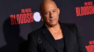 FILEM NO.3: Gambar fail bertarikh 10 Mac 2020 menunjukkan Vin Diesel tiba untuk tayangan perdana filem  'Bloodshot' di panggung Regency Villagedi Westwood, California. — Gambar AFP
