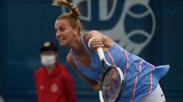 PENGALAMAN BERBEZA: Kvitova semasa beraksi menentang Muchova pada final Kejohanan Czech di Prague. — Gambar AFP