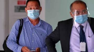 DENDA: Chiew didenda RM340,000 atau penjara 68 bulan oleh Mahkamah Sesyen di Alor Gajah semalam atas kesalahan membenarkan 68 pendatang asing tanpa izin masuk ke dalam premisnya, Januari lepas. — Gambar Bernama