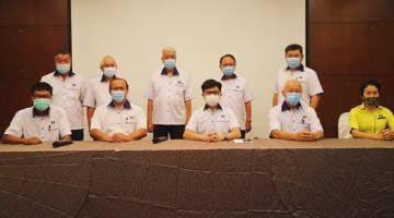 CHONG menghadiri mesyuarat bersama kepimpinan MCA Sabah yang diketuai pengerusinya, Lu Yen Tung berhubung hala tuju parti itu menjelang ketibaan PRN.