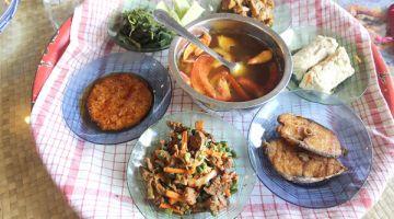 MENYELERAKAN…Antara hidangan di restoran Tempoe Doeloe.