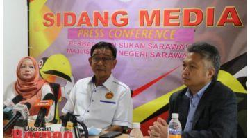 Abdul Karim ditemani Snowdan pada sidang media di Majlis Sukan Negeri Sarawak, Petra Jaya.