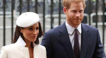 BIMBANG SEJARAH BERULANG: Gambar fail menunjukkan Putera Harry (kanan) dan isterinya Markle menghadiri satu acara rasmi di Westminster Abbey, London, pada 12 Mac 2018. Putera Harry memberitahu Winfrey bahawa beliau bimbang sejarah akan berulang lagi. — Gambar AFP