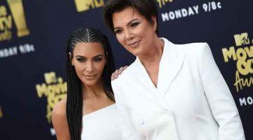 PENUH DRAMA: Kim Kardashian (kiri) dan ibunya Kris. — Gambar AFP