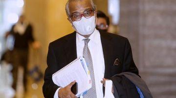 DENGAR RAYUAN: Muhammad Shafee hadir bagi pendengaran rayuan anak guamnya terhadap sabitan dan hukuman berkaitan penyelewengan dana RM42 juta milik SRC International di Mahkamah Rayuan, Putrajaya semalam. — Gambar Bernama