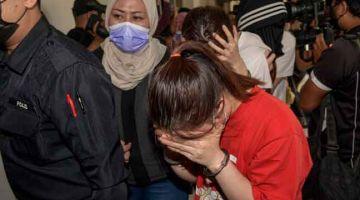 DIDAKWA: Seramai 14 individu termasuk empat warga China didakwa di Mahkamah Sesyen, Petaling Jaya semalam atas pertuduhan terbabit dalam kumpulan jenayah terancang 'Geng Nicky' diketuai ahli perniagaan dalam buruan, Datuk Seri Nicky Liow Soon Hee. — Gambar Bernama