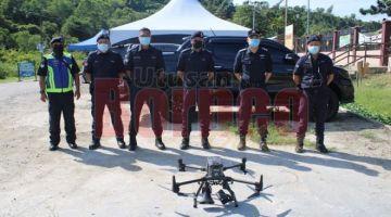DRON: Unit Dron PGU digunakan untuk pemantauan serta hebahan SOP PKP di dua lokaliti PKPD di sini.