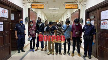 Kesemua warga Indonesia yang memalsukan permit dan tidak memiliki permit dijatuhi hukuman penjara hari ini.