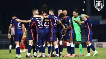 Para pemain JDT meraikan kemenangan ke atas Selangor FC, pada malam Rabu.