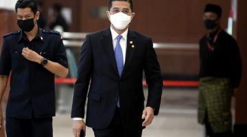 Mohamed Azminketika hadir pada Mesyuarat Khas Penggal Ketiga Parlimen Ke-14 di Parlimen hari ini. -Gambar Bernama