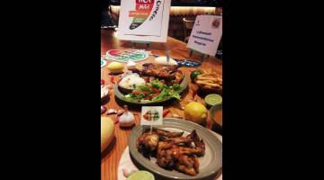 MENYELERAKAN: Hidangan Nando's kini diserikan dengan empat perisa PERi-PERi baharu.