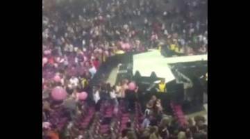 KECOH: Imej pegun video menunjukkan suasana sejurus letupan kedengaran di Manchester Arena, utara England kelmarin. — Gambar Reuters