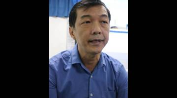 KESEDARAN: Dr Teh menerangkan mengenai BPH dan kanser prostat.