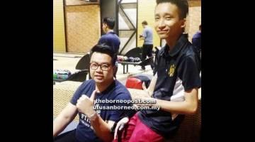 TERBAIK: Willie Chung (kiri) dan Adrian Koh yang mewakili Elite.