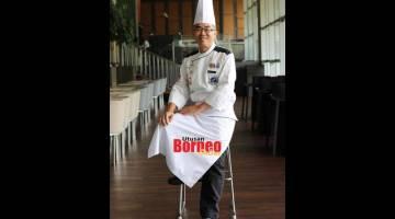 TERAJU: Cef Gerald bersedia memberikan sajian makanan hebat kepada tetamu di restoran Hotel Pullman Miri Waterfront.
