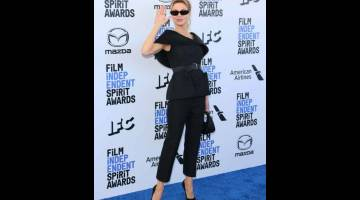 AKTRES TERBAIK: Renee Zellweger tiba di Santa Monica, California bagi menghadiri Majlis Anugerah Spirit pada Sabtu. — Gambar AFP