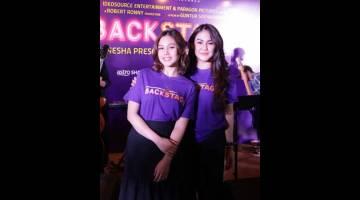 WATAK UTAMA: (Dari kiri) Vanesha Prescilla dan Sissy Priscillia semasa sidang media mempromosikan filem 'Backstage' di Jakarta baru-baru ini. — Gambar Astro Shaw