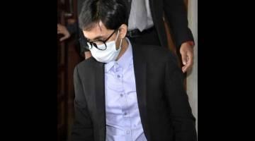 DIBICARA: Wafiy dihadapkan di Mahkamah Sesyen atas pertuduhan menyebabkan seorang kakitangan dipecat setelah memberikan maklumat mengenai salah lakunya kepada Suruhanjaya Pencegahan Rasuah Malaysia (SPRM) di Kuala Lumpur, semalam. — Gambar Bernama