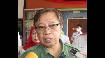 Abang Johari bercakap kepada pemberita selepas Majlis Pelancaran Melabuh Tukun Tiruan di Perairan Sampadi-Tanjong Datu, Sematan hari ini.